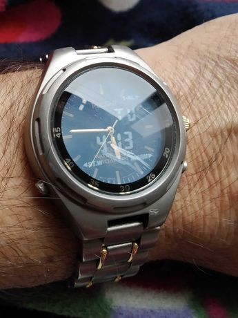 Relógio Pulsar Titanium analógico e digital
