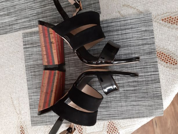 Nowe sandały monnari r.36.