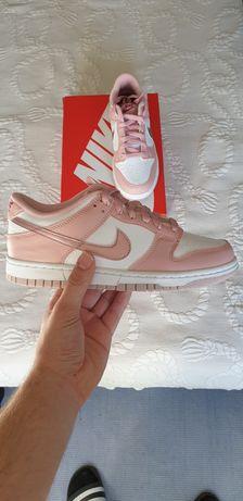 Nike dunk Low pink velvet
