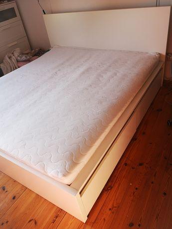 Łóżko Ikea Malm z 4 pojemnikami i materacem 180 na 200