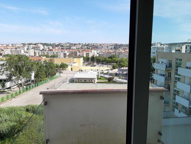 Arrenda-se T2 + Garagem [Junto ao Coimbra Shopping]