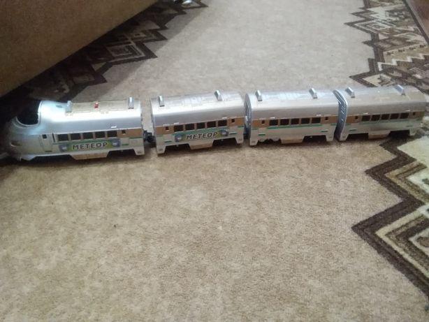 Продам детский поезд