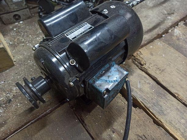 Silnik do tokarki Ld 550 Tytan 520 Nutool itp 0,55kw 1400obr 230v