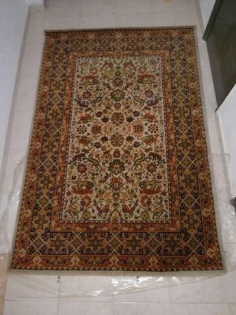 Carpete clássica tipo oriental