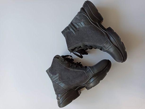 Зимние ботинки,отличное состояние.37 разм.