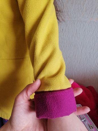 Супер красивое яркое жёлтое пальто для девочки