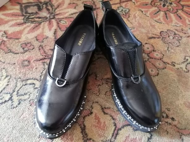 Кожаные новые  женские туфли 41 размер