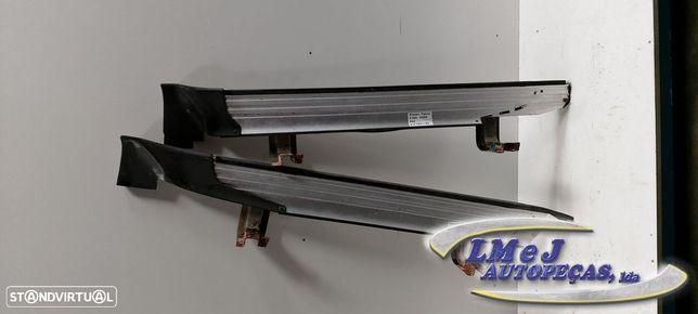 Estribo Dto/Esq Usado NISSAN/PATROL GR V Wagon (Y61)/2.8 TD | 06.97 - 05.00