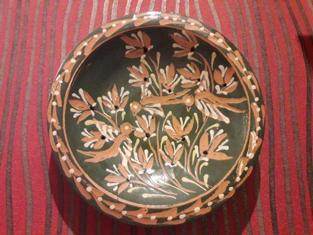 Настінна декоративна тарілка.