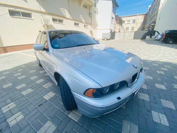 Продам BMW e39 520i