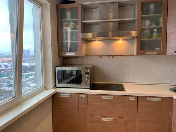 Продам двухкомнатную квартиру (55) м, Лятошинского,28