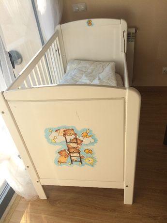 Mobiliário para quarto infantil pintado à mão
