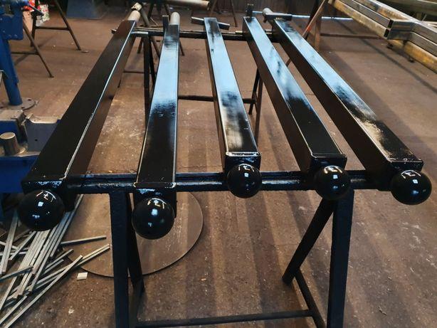 Słup metalowy do bramy lub przęsła
