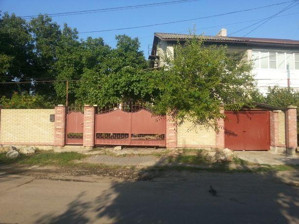 Продается двух этажный коттедж в городе Зугрес