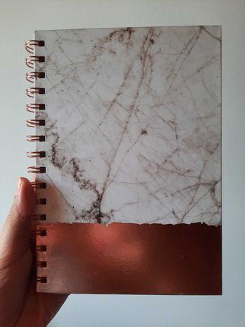 Caderno mármore e rose gold