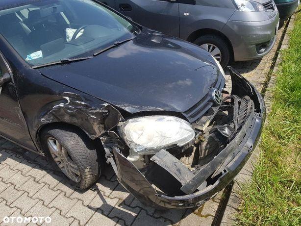 Volkswagen Golf Sprzedam uszkodzonego Volkswagena