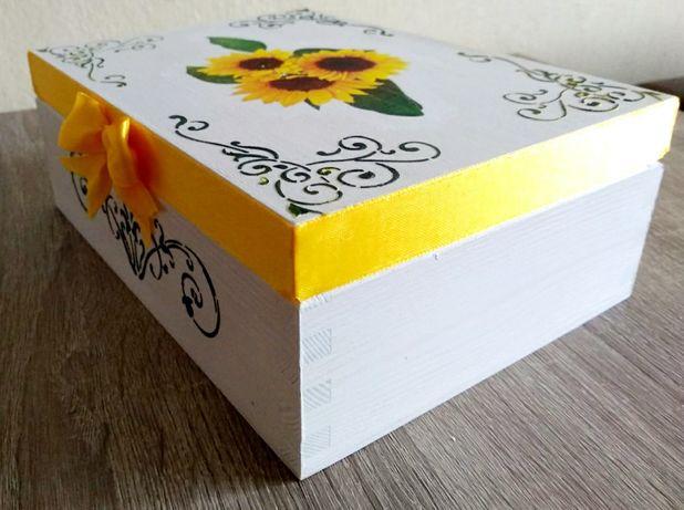 Drewniana szkatułka biała słoneczniki prezent handmade