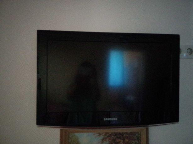 ЖК SAMSUNG lE-26B450 телевизор HD .26