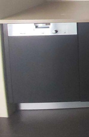 Máquina de lavar louça de encastrar MIELE