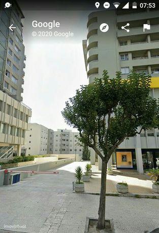 Lugar garagem arrendamento Julio Dinis Porto