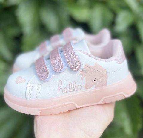 класні дитячі кросівки НОВІ