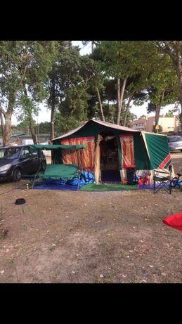 Atrelado tenda com 2 quartos