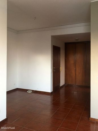 T1 Remodelado Bonfim - Rua da Alegria - Localização Privilegiada