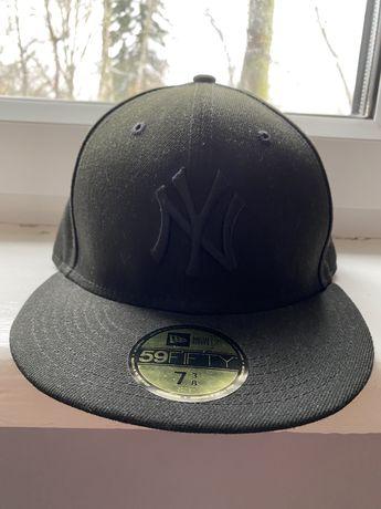 New York Yankees czapka marki New Era fullcap rozmiar 7 3/8 58.7cm