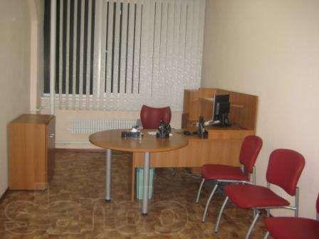Кабинет секретаря, приемная. Продам комплект офисной мебели.