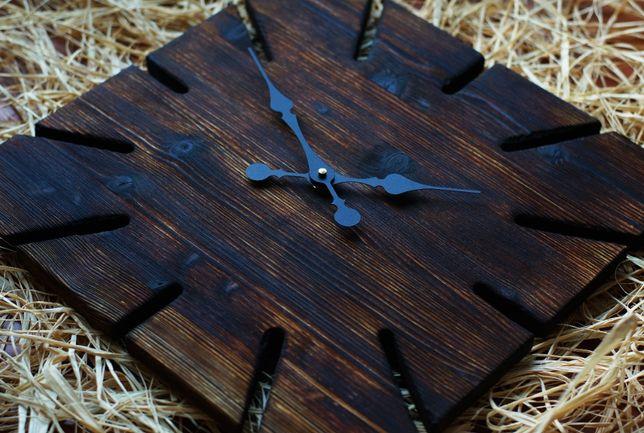 Drewniany zegar ścienny, z naturalnego drewna