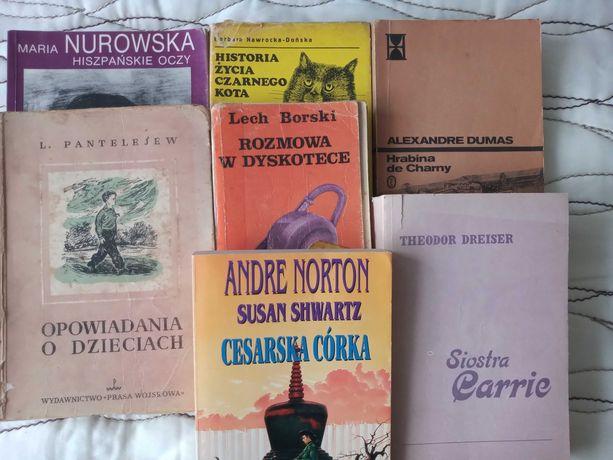 Książki 7 sztuk, całość 17 zł.