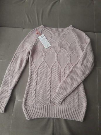 Новый свитер отличного качества