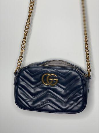 Torebka Gucci czarna złoty pasek