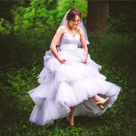 Продам свадебное платье с фатой на любую фигуру