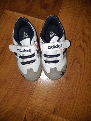 Кроссовки Adidas на мальчика 14.2 см стелька
