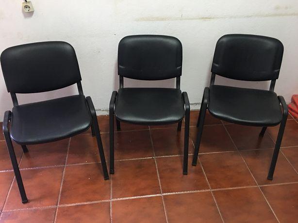 Cadeira Visitante staples