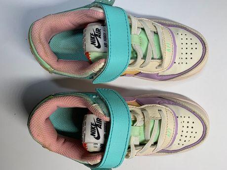 Дитячі кросівки Nike AIR FORCE I розмір EUR 33