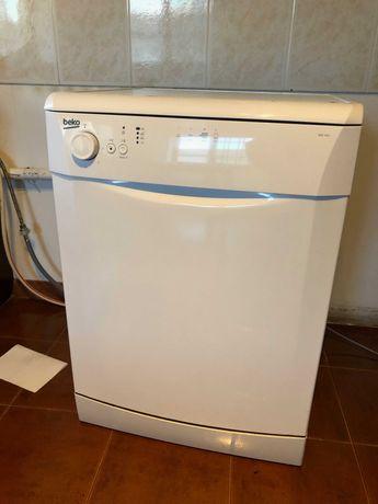Maquina de lavar loiça BEKO