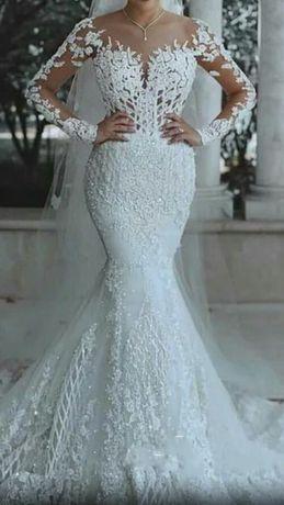 Suknia ślubna syrena piękna efektowna L M Lou Louboutin Louis Vuitton