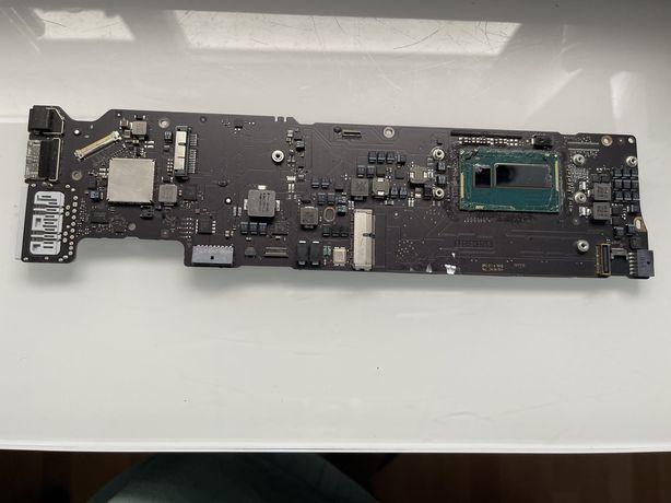 Apple logic board Air A1466, 820.3437.B - a funcionar