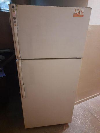 Продается холодильник Дженерал электрик (General Electric США)