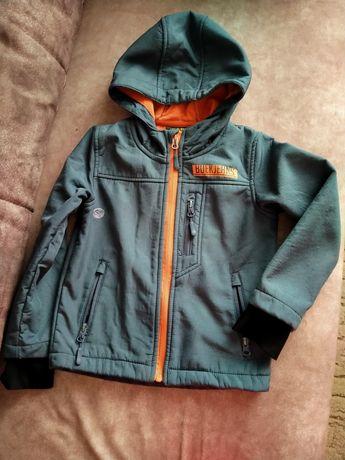 Весенняя куртка для мальчика 104 - 110 см