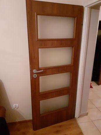 Sprzedam drzwi pokojowe rozmiar 80cm długość 200cm