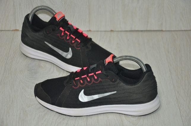 Продам кроссовки Nike Downshifter 8 .