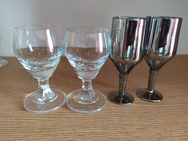 Cztery kieliszki na wódkę
