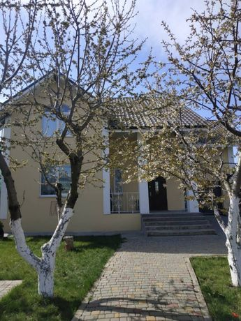 Продается шикарный дом 195 кв.м в Черноморске.