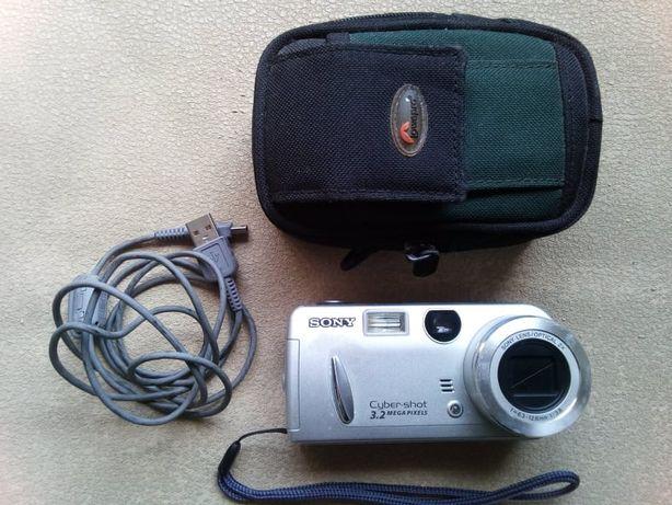 "Máquina fotográfica/filmar digital ""SONY"""