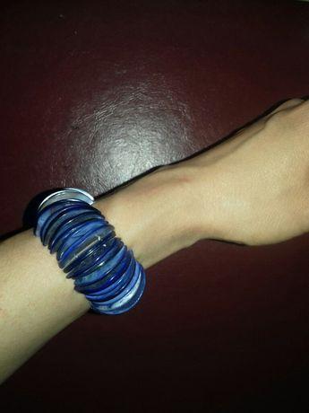 Niebieska bransoletka z masy perłowej