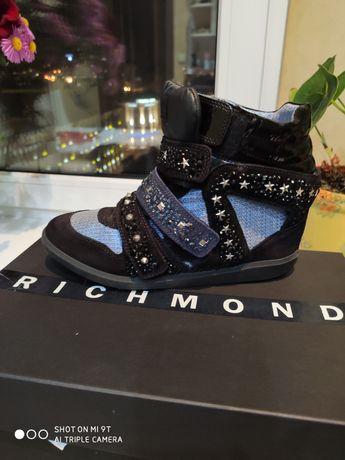 Продам ботинки Richmond 39 размер