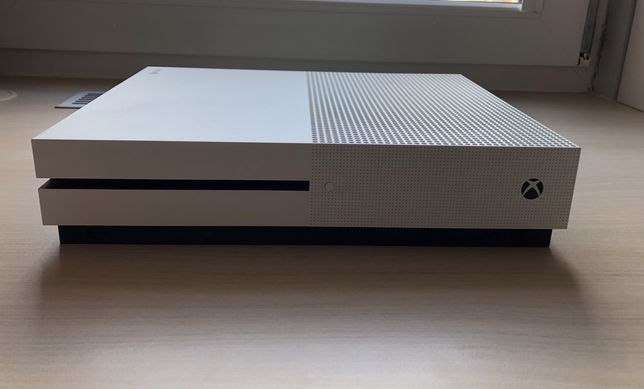 Xbox One S 500GB bez pada